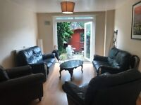 BOW, E3, EXCELLENT 3 DOUBLE BEDROOM MAISONETTE WITH PRIVATE PATIO AND LOUNGE