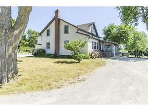 COUNTRY LIVING IN THE CITY! INLAW SUITE! 1.5 ACRES! WOW! Cambridge Kitchener Area image 1