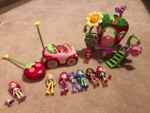 Lot of Strawberry Shortcake Items (clubhouse, RC car, dolls)