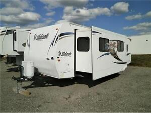 2011 FOREST RIVER WILDCAT 29 FK!! MINT CONDITION! $20995!! London Ontario image 2