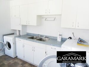 Duplex on Grosvenor, $1585.00, 3BR includes all utilities (K28)