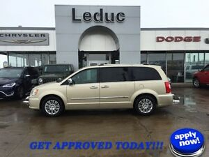 2012 Chrysler Town & Country Limited LOADED WITH DVD, NAVIGATION