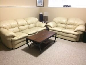 Leather couch, loveseat and coffeetable