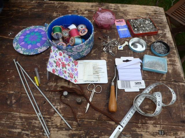 Knitting Needles Norwich : Sewing kit box crochet hook rug making