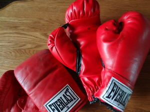Everlast Boxing Gloves 12 oz. & Vintage 4306 Sparring Gloves