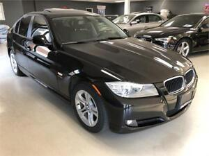 2011 BMW 3 Series 328i xDrive Classic Edition. Leather. Sunroof.