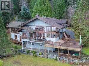 1027 WEST ROAD QUADRA ISLAND, British Columbia