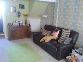 2 bedroom house in Central Newton Abbot with off road parking