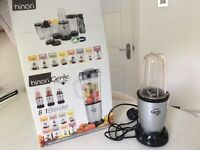 smoothie maker/ blender - Excellent condition, as new. with all attachments - Perfect for the summer