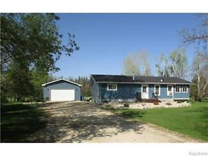 NEW LISTING, FOR SALE IN E.SELKIRK! FASTASTIC 3 BDRM BUNGALOW!