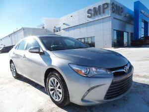 2015 Toyota Camry LE, Bluetooth, keyless entry, back up camera,