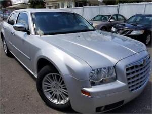 2010 Chrysler 300 FULL/AC/MAGS/GR.ELEC/TOIT/CUIRE/VERY CLEAN!