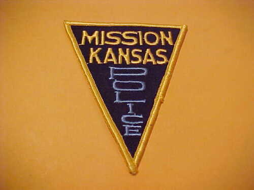MISSION KANSAS POLICE PATCH SHOULDER SIZE UNUSED TYPE 5    4 X 3 INCH
