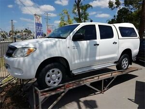 2005 Toyota Hilux GGN25R White Automatic Utility Lansvale Liverpool Area Preview