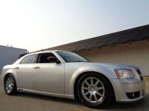 LOW-RIDER-2008 CHRYSLER 300 LIMITED-LEATHER-SUNROOF-AMAZING