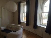 Large 2 bedroom flat in Morningside Road - Holy Corner