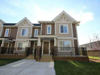 Spacious w/Natural Light! End Unit Townhouse in Windermere