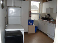 4 Bedroom Student House Unit Available September