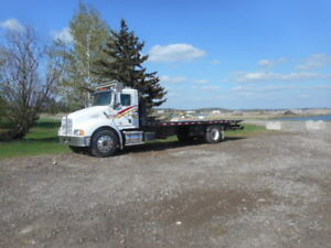 2006 Kenworth T300 with 24 foot NRC recovery deck