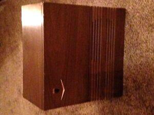 Fleetwood Speaker (Solid Wooden Unit)