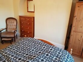 House share Mannamead Plymouth. Room to let in stunning 5 bedroom house. Suit professional person