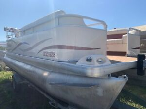 Pontoon | ⛵ Boats & Watercrafts for Sale in British