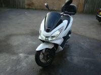 honda pcx 125 low milage perfect conditions 2015