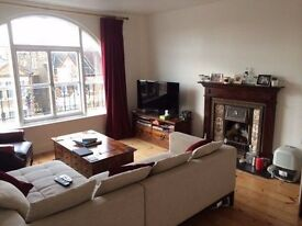 Spacious Double Room in a homely flat!