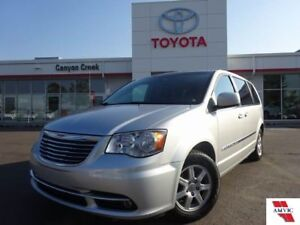 2011 Chrysler Town and Country TOURING / REAR DVD / 7 PASSENGER