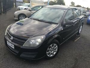 2005 Holden Astra AH CD Black 5 Speed Manual Hatchback Coonamble Coonamble Area Preview