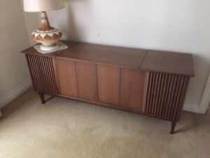 Vintage Hi-Fi Cabinet with Radio and Record player