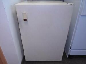 MINI CONGELATEUR KENMOORE / KENMOORE MINI-BAR FREEZER