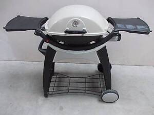WEBER Q200-220 MEDIUM SIZE BBQ ON TROLLEY Sydenham Marrickville Area Preview