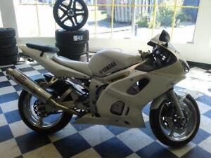 Yamaha YZF R6 LIQUIDATION FIN SAISON. $2495...514-692-2005..