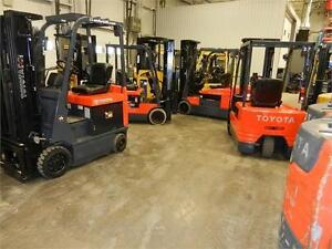 plusieurs chariots Toyota en inventaire many forklifts in stock