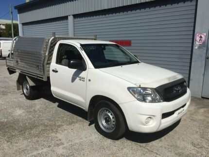 2010 Toyota Hilux GGN15R 09 Upgrade SR Alpine White 5 Speed Automatic Biggera Waters Gold Coast City Preview