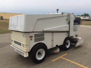 ZAMBONI 520 ICE RESURFACER