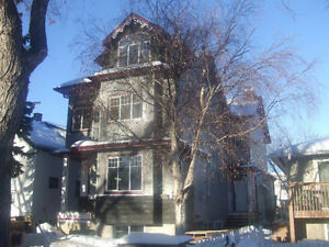 Great rooms near  u of A & Whyte ave