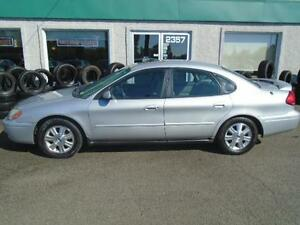 Ford Taurus  2004 SEULEMENT 120 000 KM!!!
