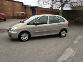 CITROEN PICASSO MPV - 11 months M.O.T - ONE FORMER OWNER