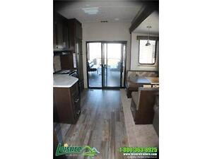 2016 Forest River Cherokee Wolf Pack WP315 Toy Hauler Windsor Region Ontario image 6