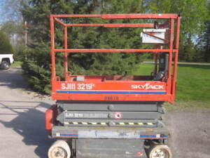 2012 Skyjack SJIII 3219 Electric Scissorlift