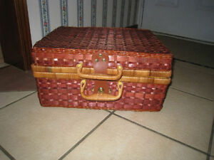 Cute large Wicker picnic/lunch Basket, case or gift box