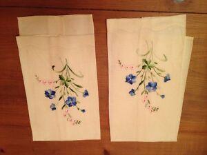 Home Decor: 2 Vintage Linen Embroidery Tea Towels.Mint,no stains