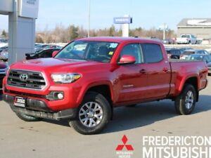 2016 Toyota Tacoma SR5 4X4 | V6 | CREW | LOADED