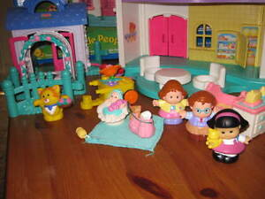 Maison Little People - Fisher price West Island Greater Montréal image 8