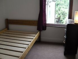 Double room, rent, Seven Sisters, quiet clean house