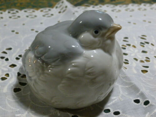 Porcelain Bird Wildlife Figurine Japan CAPILANO VANCOUVER Souvenir