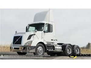 2011 VOLVO VNL300 DAY CAB À VENDRE / SEMI-TRUCK FOR SALE