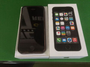 iPhone 5S 16G/32G/64G, iPhone 5 Custom, iPhone 4S all Very Mint!